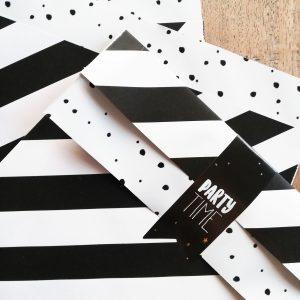papieren zakje streep zwart wit 17x25cm